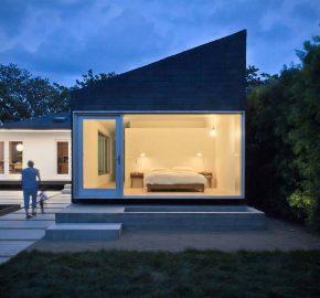 House in 522 N Bonnie Brae St